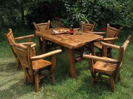 4. Kerti asztal és székek
